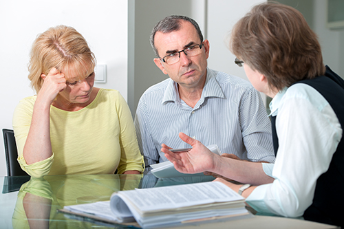 Couple having financial mediation counselling